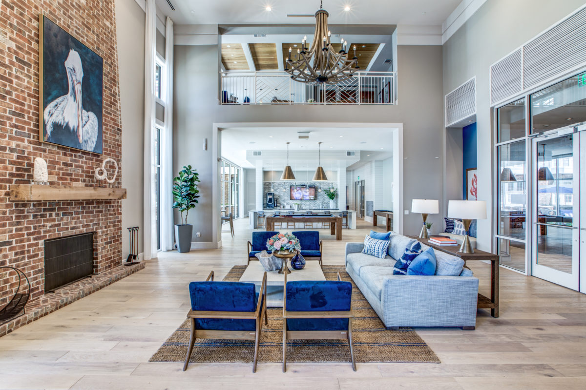 expansive resident room in luxury houston texas apartment