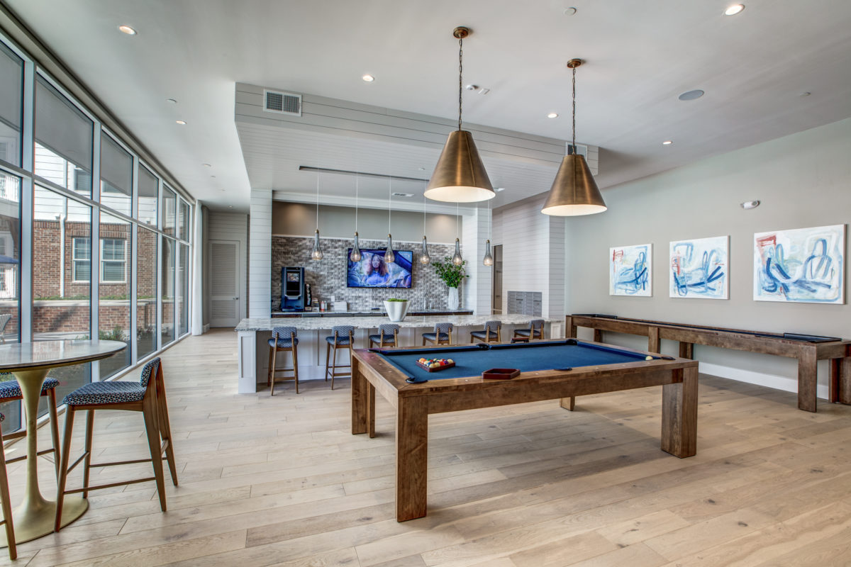 resident lounge in luxury houston texas apartment