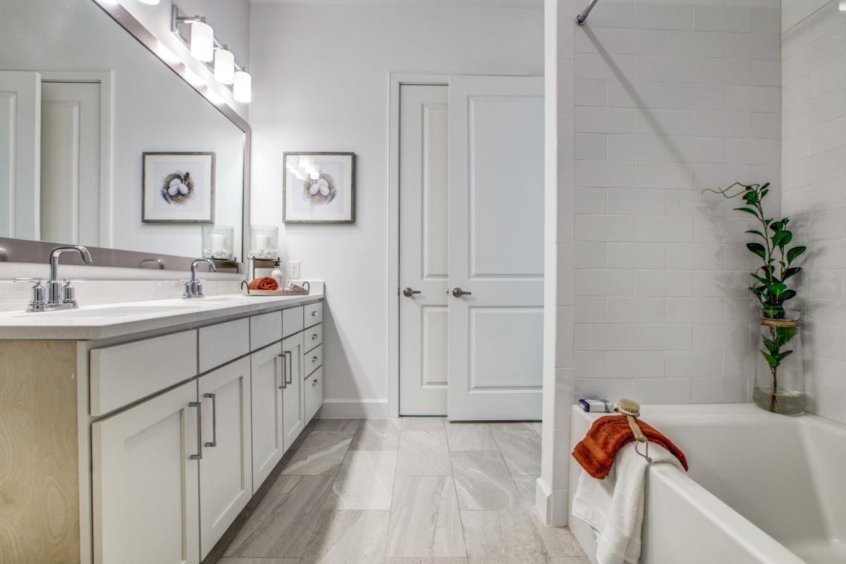 bathroom in luxury houston texas apartment