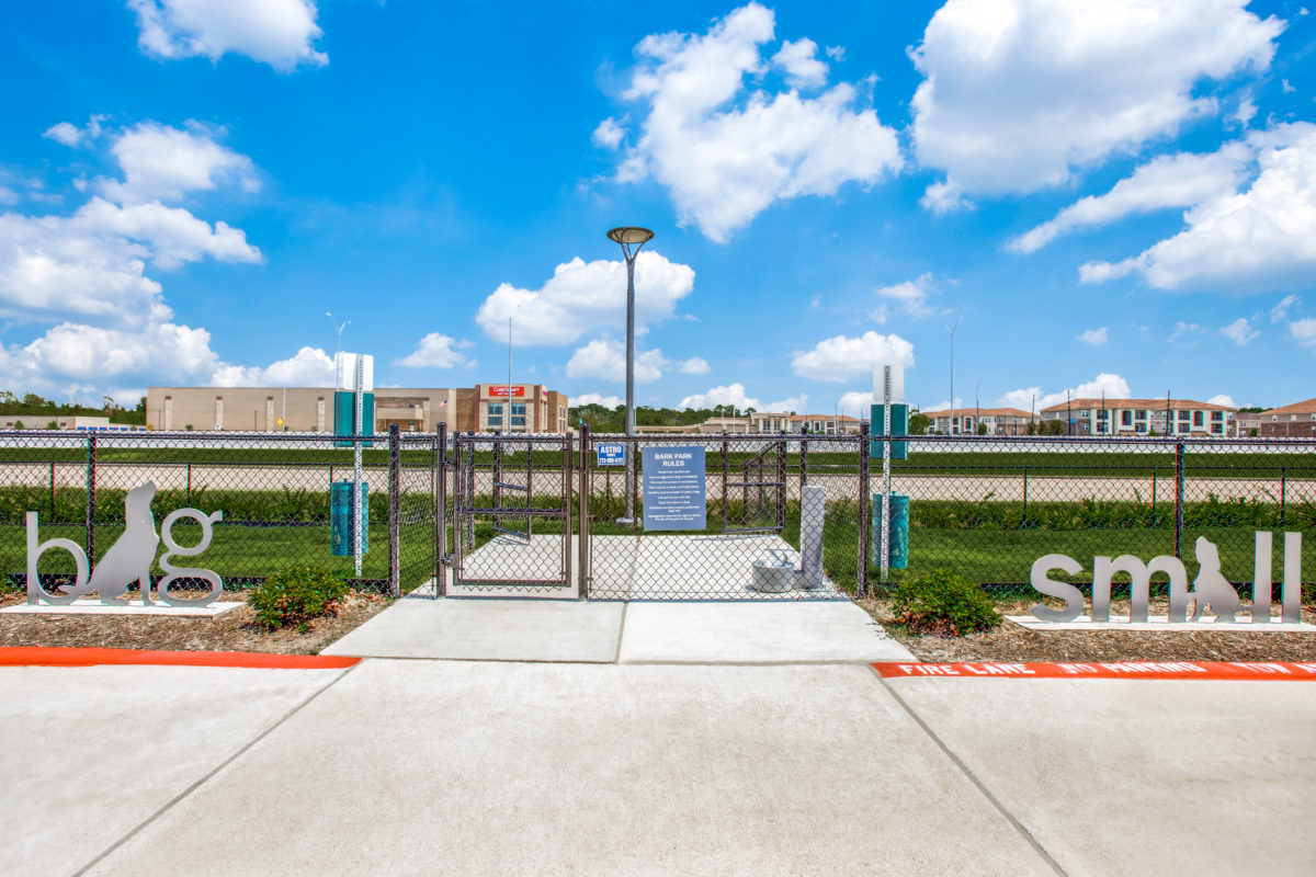dog parks for large and small dogs in luxury houston tx apartment