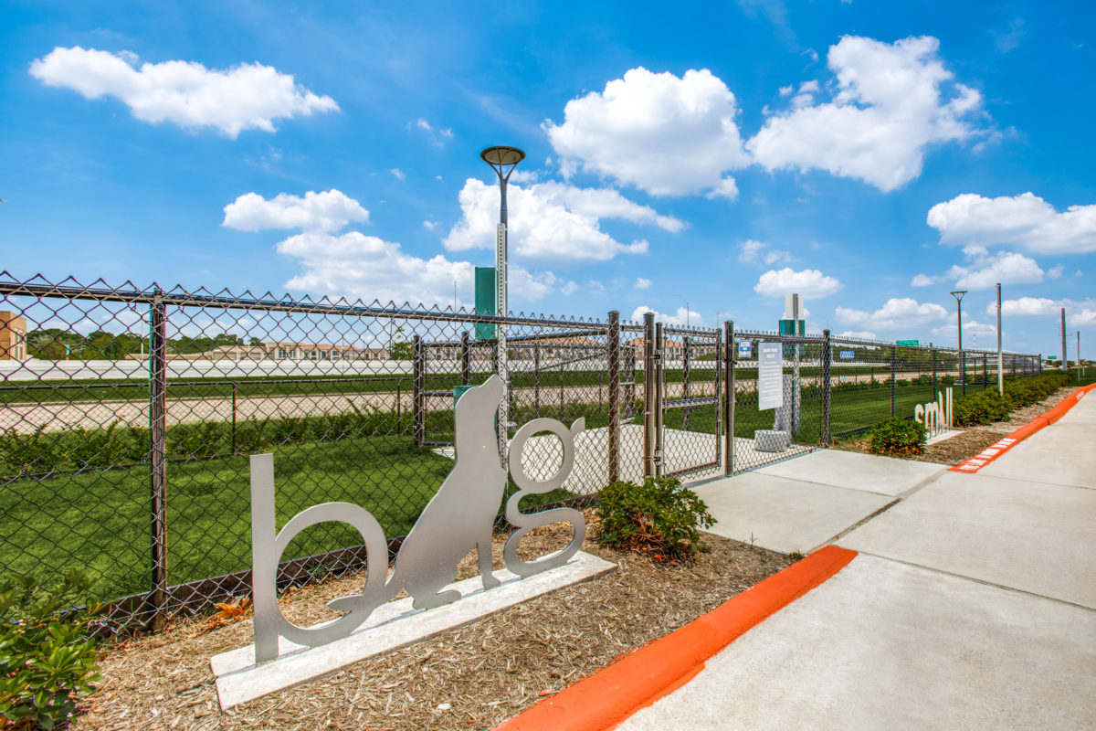 resident big and small dog park in luxury houston tx apartment