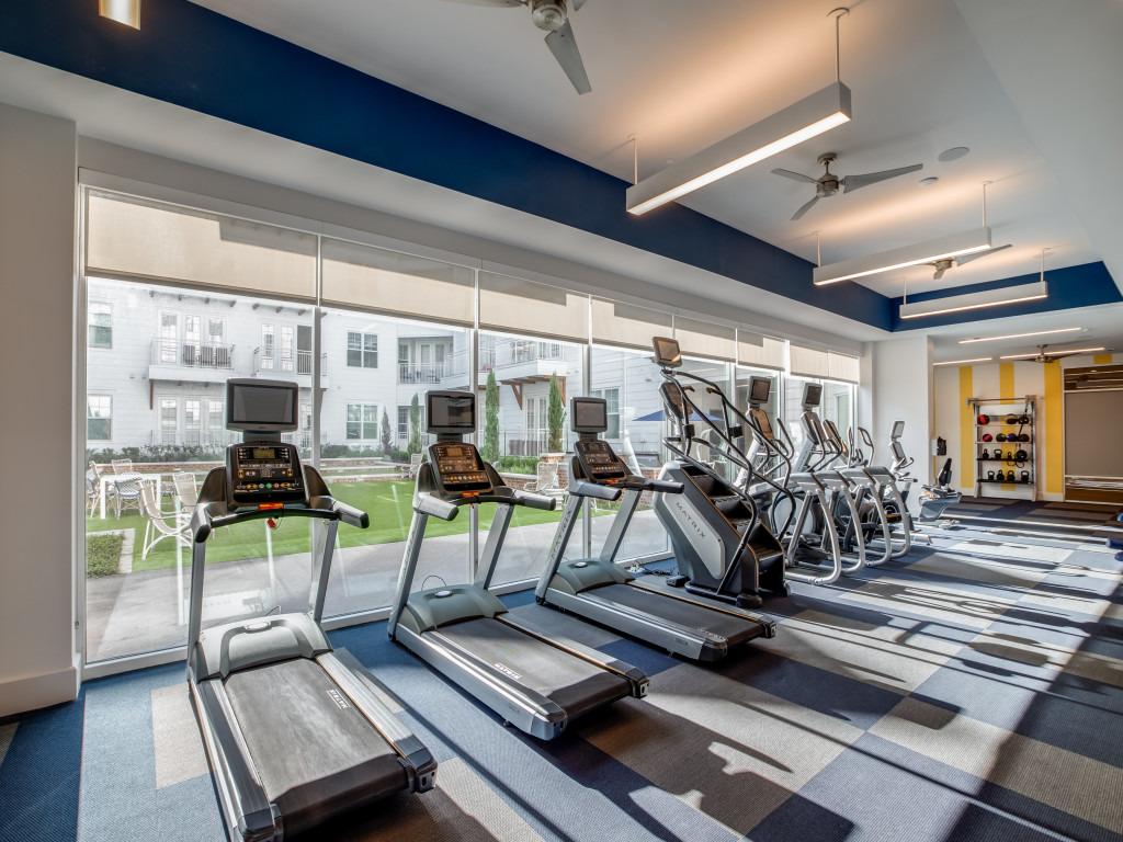 fitness center in luxury houston tx apartment near Humble, TX